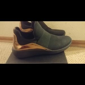 promo code 2da67 824ec Donna Karan-Cory Slip On Sneakers